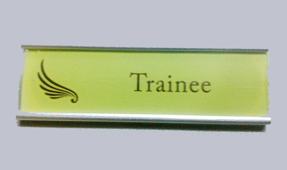 thẻ nhân viên nam châm thay tên hoàn toàn