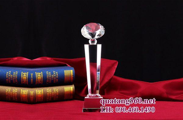 cúp pha lê kim cương thân tròn