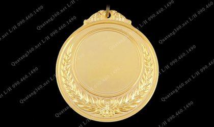 làm huy chương vàng
